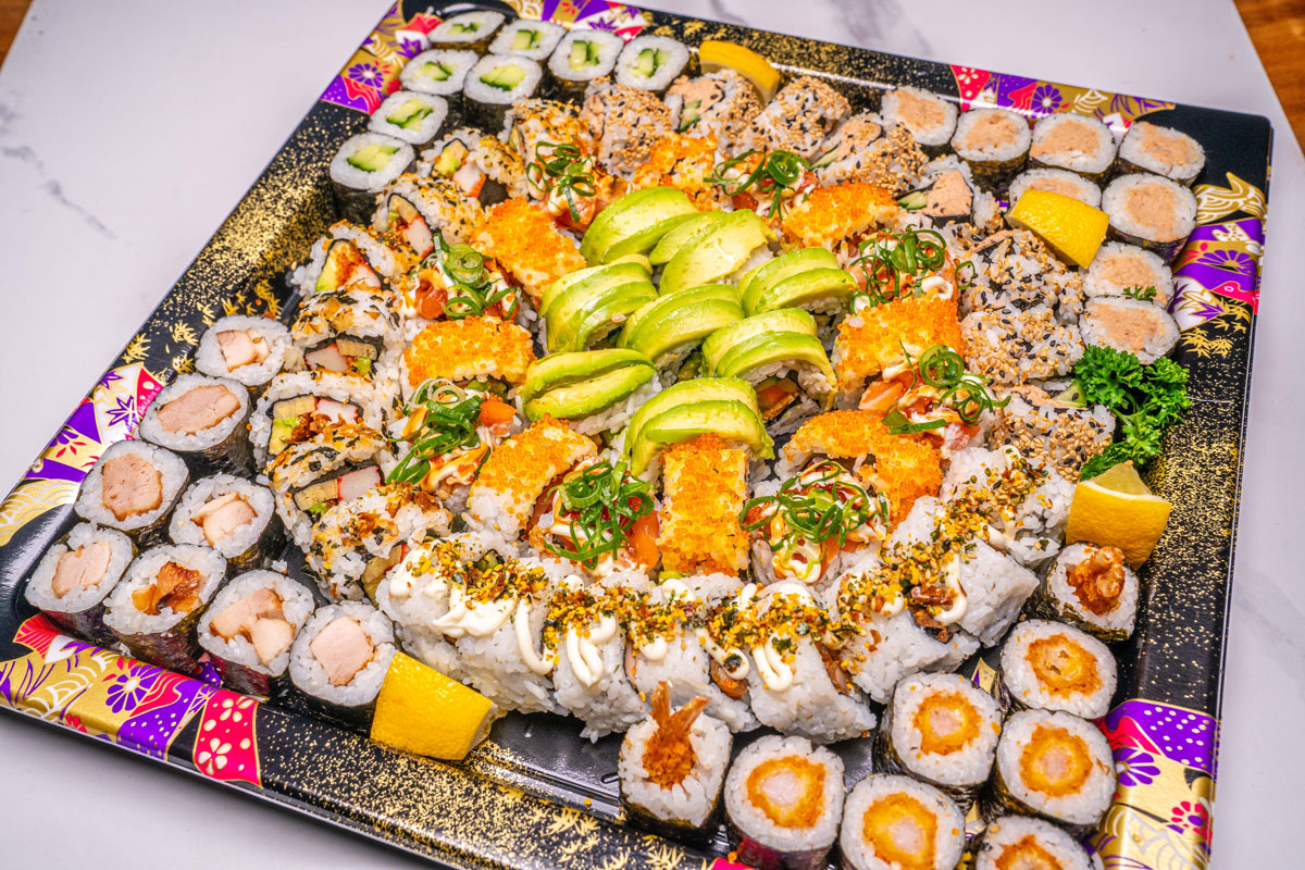 Get Inspiration of Having Sushi During Christmas Holiday!